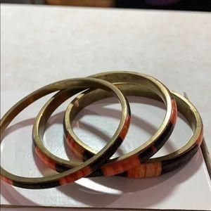Ladies bracelet.